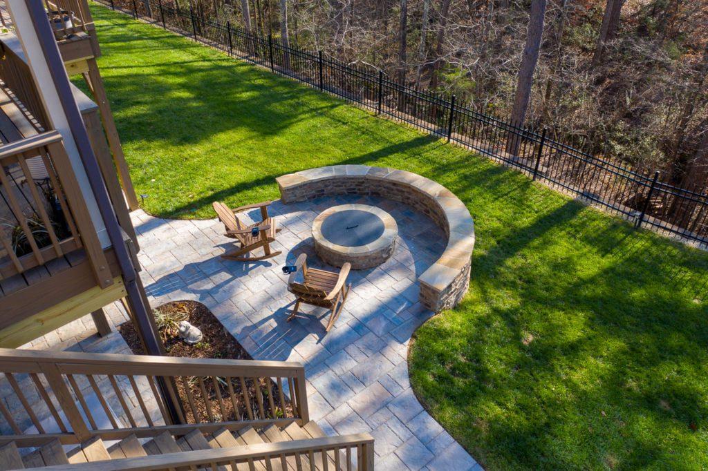 8 Backyard Fire Pit Landscaping Ideas